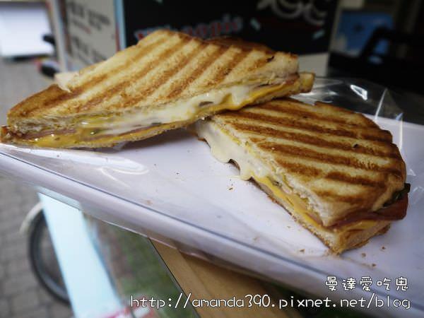 【台南美食】熱樂煎爆漿乳酪三明治。心跟著起司一起融化了!(201710台南撤點改宅配)